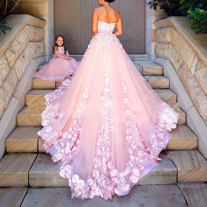Wedding Gowns In Pink: Dreamy Pink Flower Wedding Dresses Lace Appliques