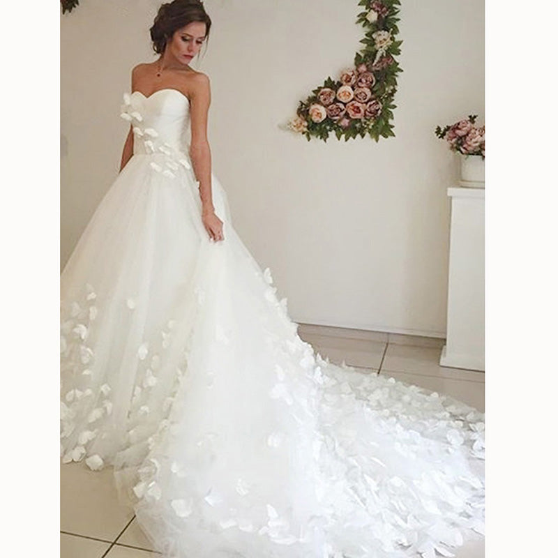Butterfly Wedding Gown: Beautiful Princess Sweetheart A Line Butterfly Bridal