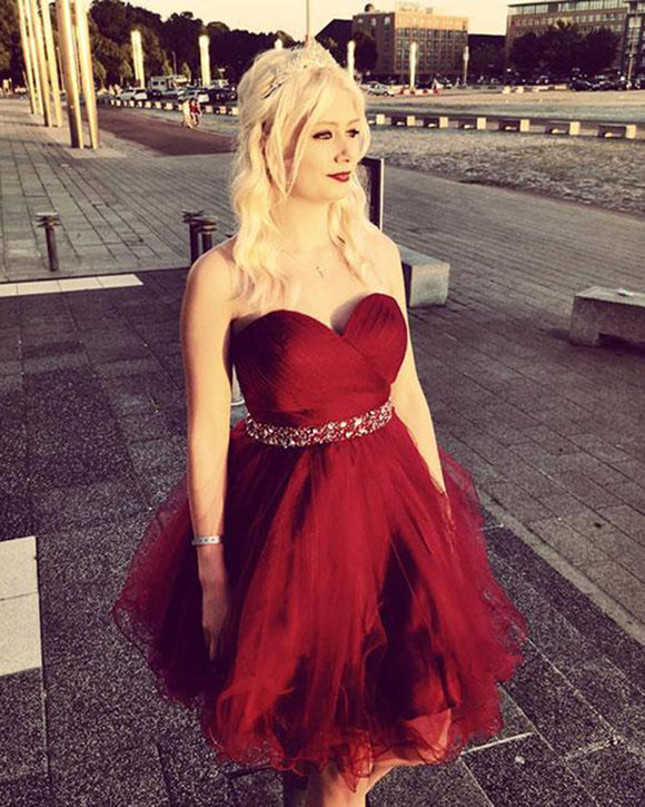 Sweetheart Red Ball Gown Short Homecoming Dresses with Beading Belt Min Graduation Gown