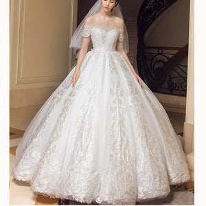 Luxury Lace Short Sleeved Off the Shoulder Wedding Dresses Ivory Ball Gown Bridal Gown