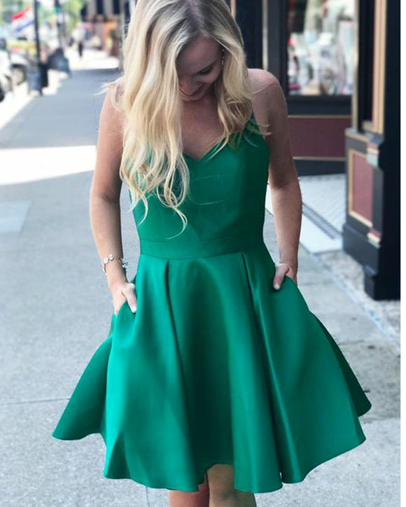 Green Short Cocktail Dress V Neck Spaghetti straps Semi Formal Homecoming party Gown SP0807