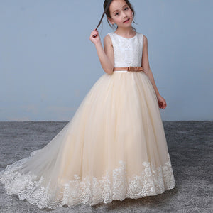 Chic Ivory/Champagne Lace Flower Girl Dresses with Belt Child Communion Dresses 2018