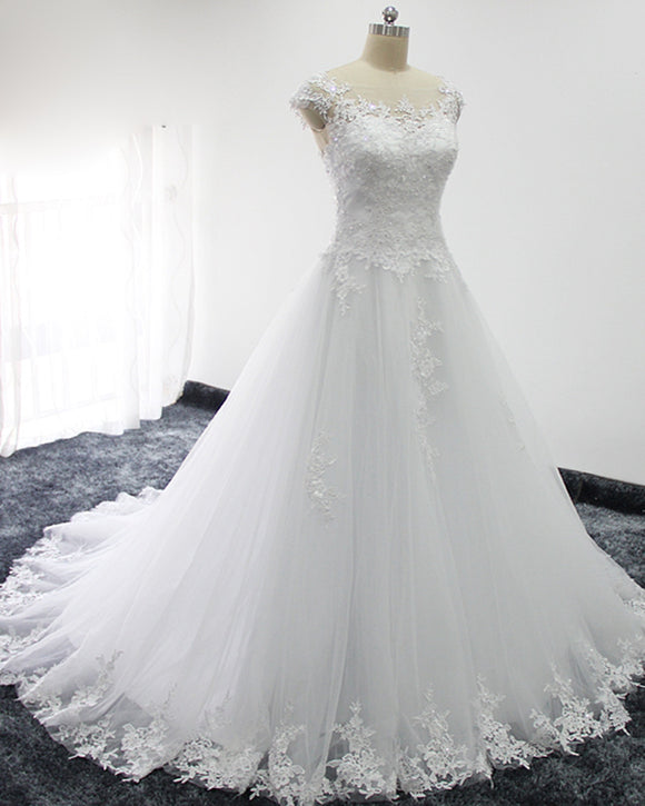 Figure Flattering A-Line Wedding Dress with Appliques Lace WD641