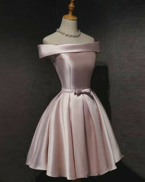 Off the Shoulder Satin A Line Pale Pink Homecoming Dress Junir Girls Short Graduation Prom Dress Mini Skirt SP1024