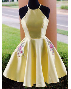 Lovely Embroidery Yellow Halter Short Cocktail Dress Short Evening Gowns For Girls ,Homecoming Dress 2020