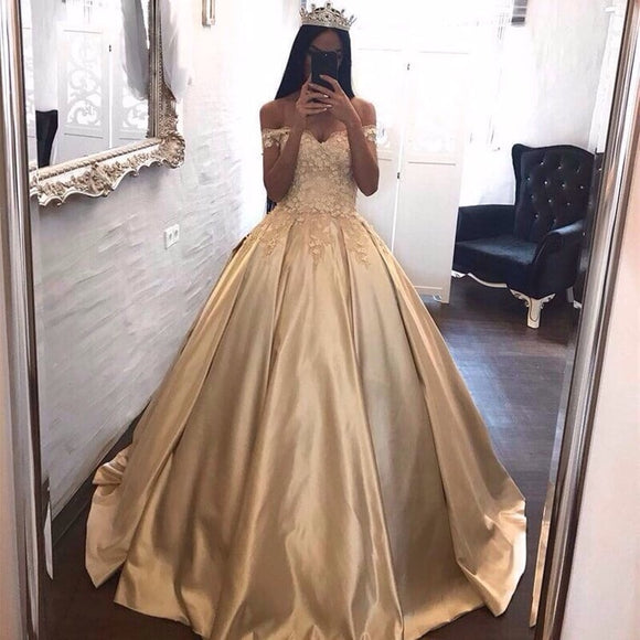 Stunning Off the Shoulder Champagne Ball Gown Princess Quinceanera Dress Girls Sweet 16 Dresses