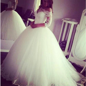 Custom Made Off the Shoulder Long Sleeves Vintage Ball Gown Bridal Dress Romantic Tulle White Wedding Dress WD0530