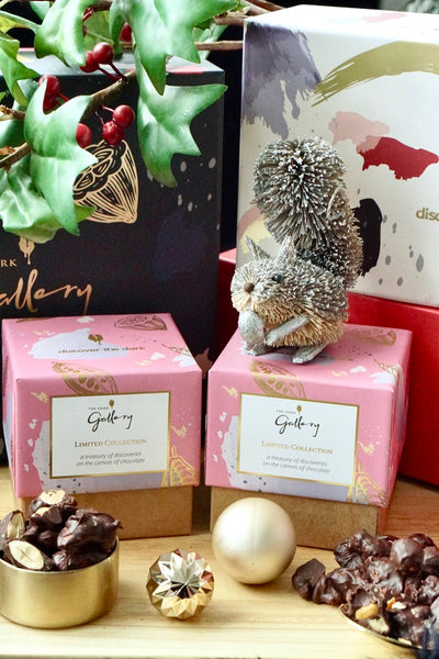 Dark Chocolate Nut Clusters (Limited Collection Gift Cube)