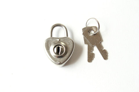 Small Heart Lock and Keys - heart padlock and key . heart shaped lock mini padlock diary lock . mini lock silver heart charm . journal lock