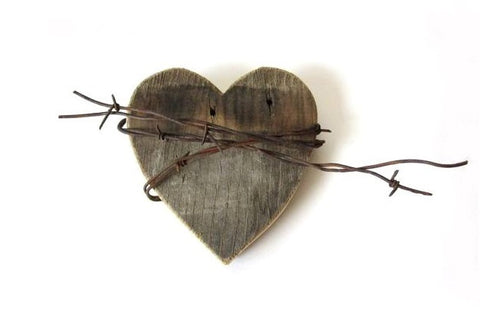 Wood and Barbed Wire Heart Sign . wood heart . rustic signs . barbed wire decor . rustic hearts . barn wood signs