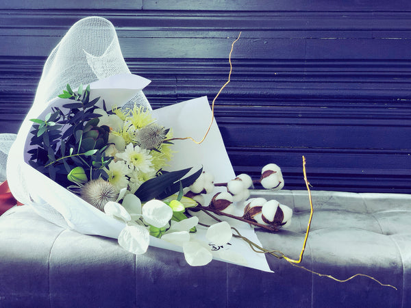 Dried and Fresh Flowers Bouquet White