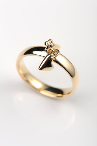 moving-gold-heart-ring