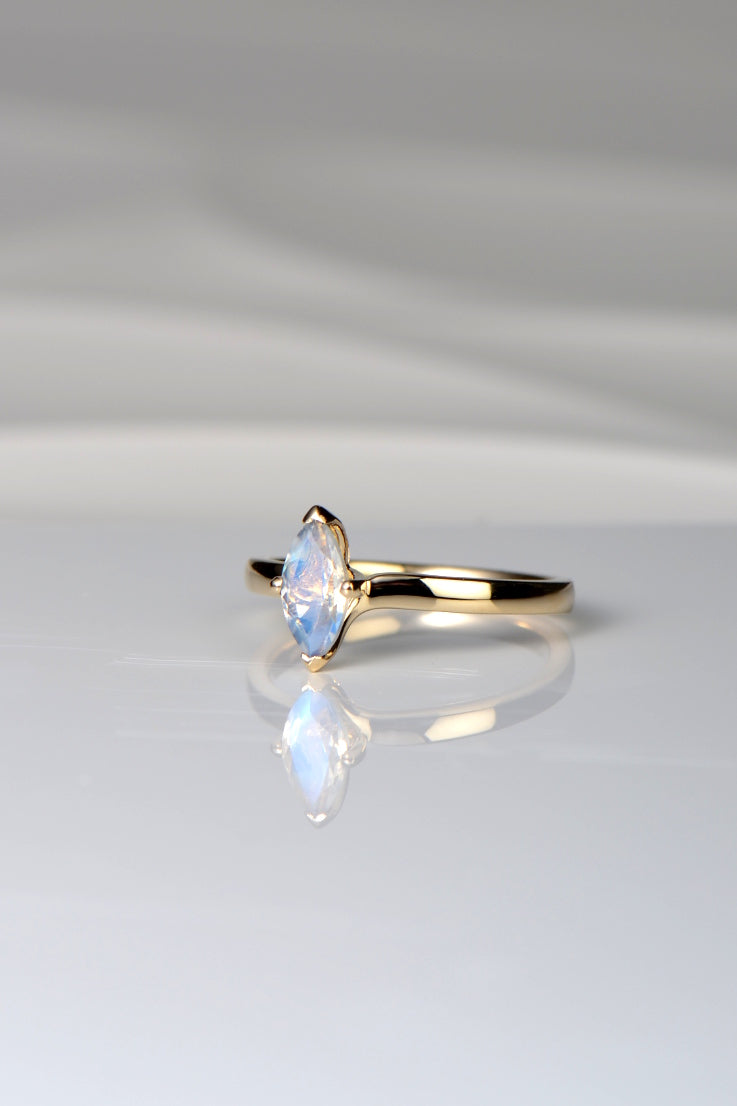 moostone-marquise-ring