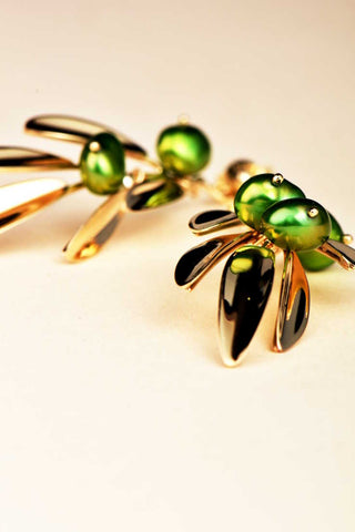 olive-earrings