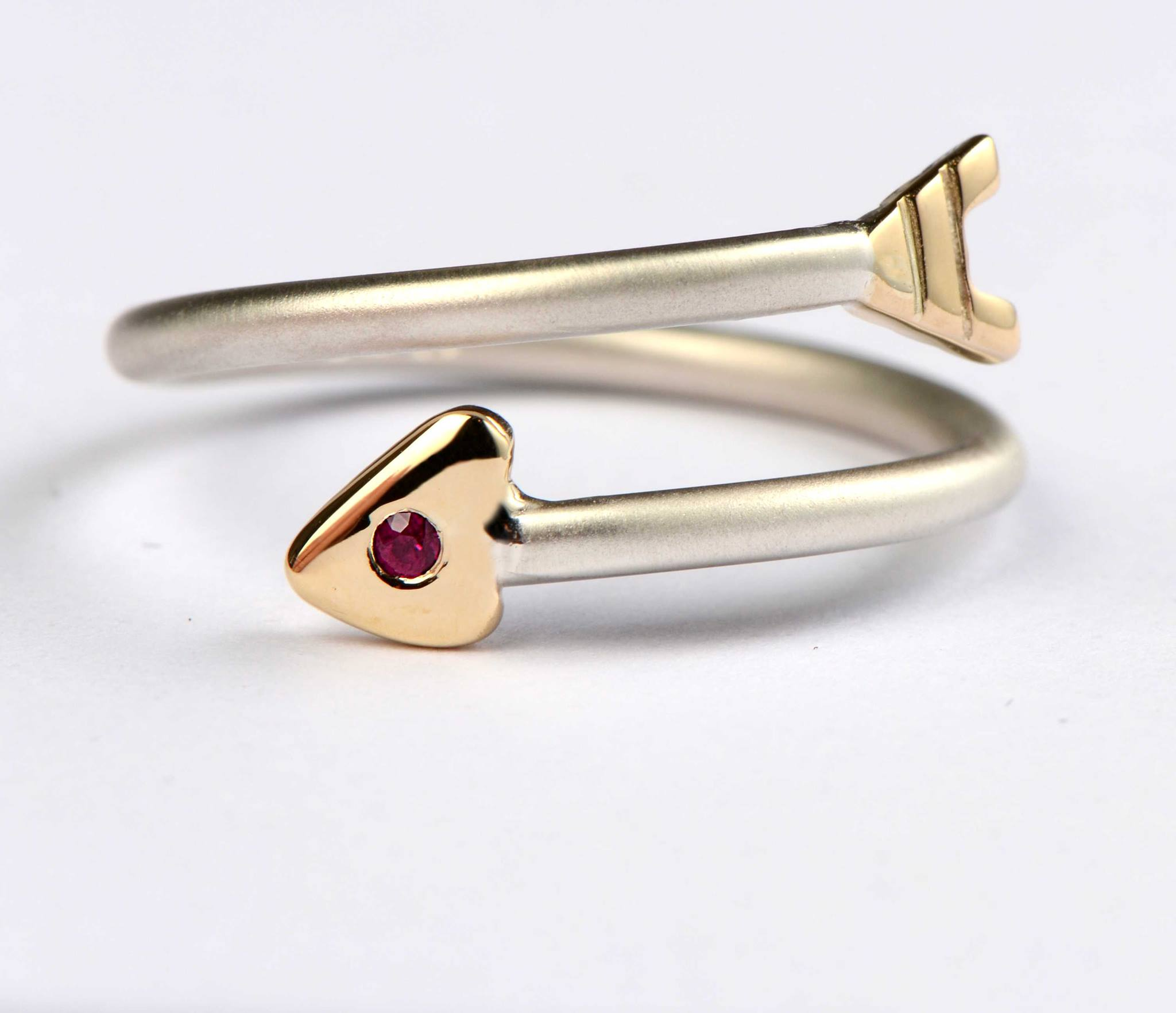 ruby-arrow-ring