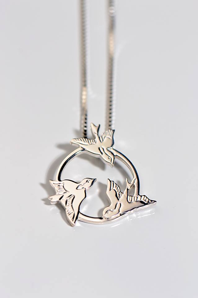 three-little-birds-necklace