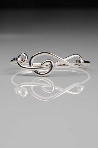 treble-clef-silver-bangle