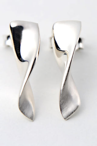 Cairn silver square stud earrings