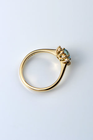Aquamarine and diamond flower ring 18ct yellow gold