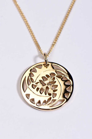 Thistle pendant in 9ct yellow gold