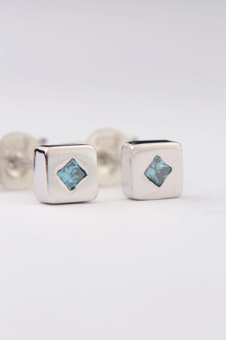 Blue diamond white gold earrings - Unforgettable Jewellery