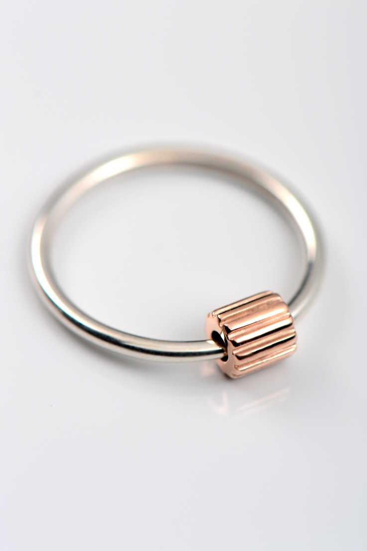 Bella Figura Ditalini rose gold and silver ring - Unforgettable Jewellery