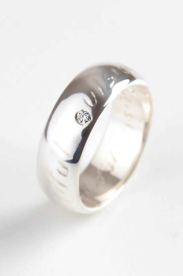 Beautiful Silver Wide Ring with Diamond - Unforgettable Jewellery