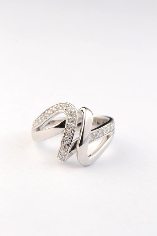 Silver CZ ribbon ring
