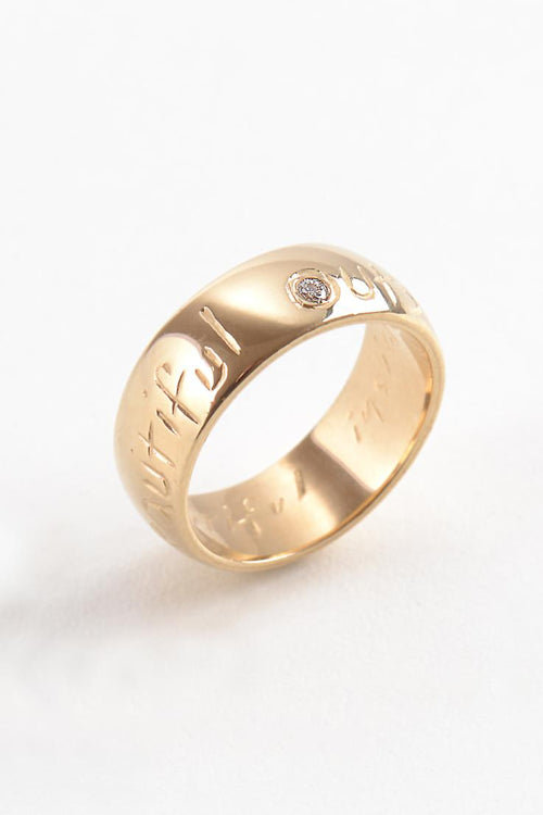 Beautiful Gold Wide Ring with Diamond