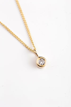 Cairn yellow gold and diamond pendant - Unforgettable Jewellery
