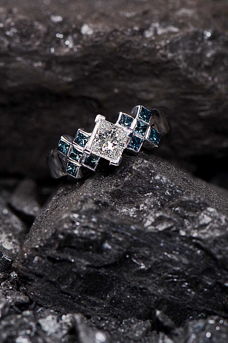 Tartan diamond ring