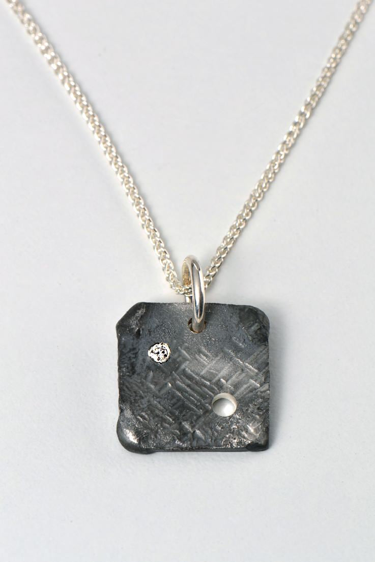 Hero diamond pendant square - Unforgettable Jewellery