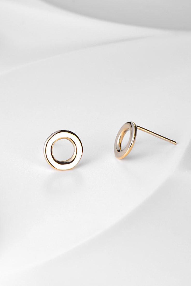 Affinity 9ct gold stud earrings