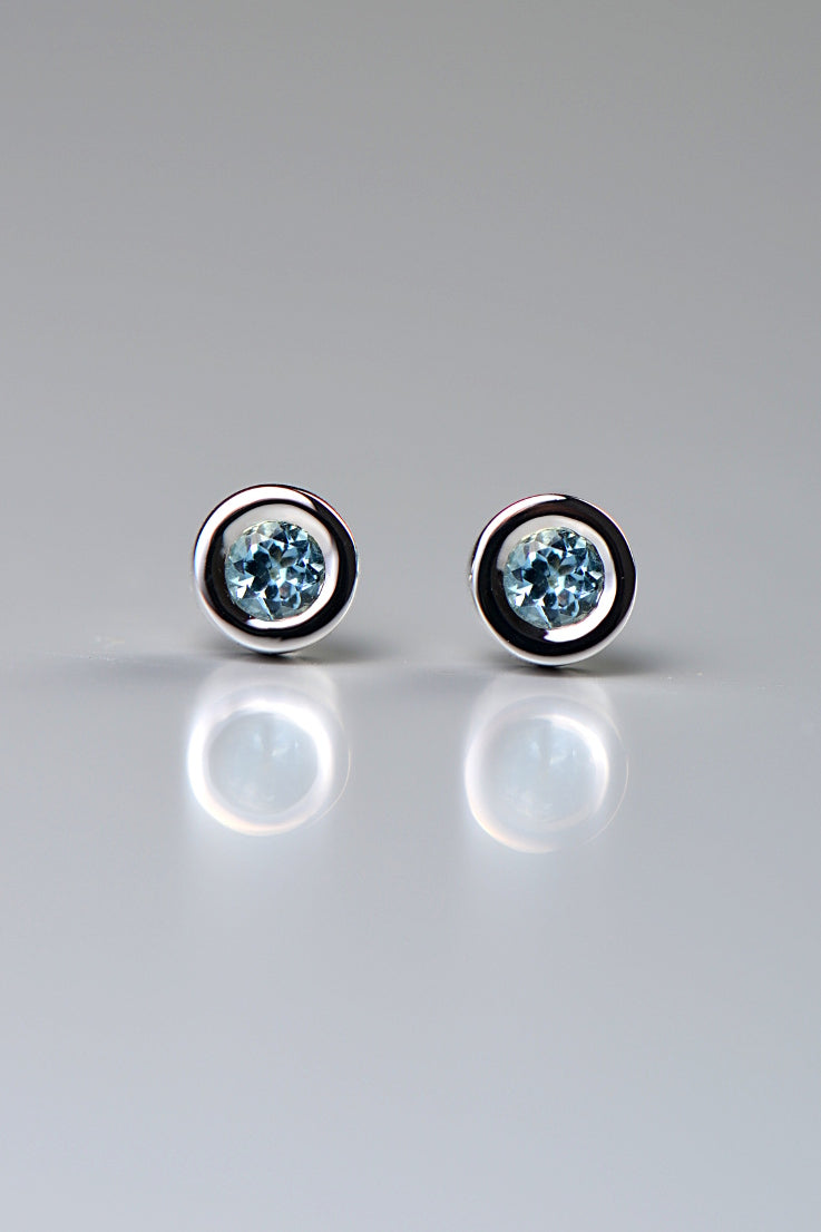 Cairn circle aquamarine 9ct white gold earrings