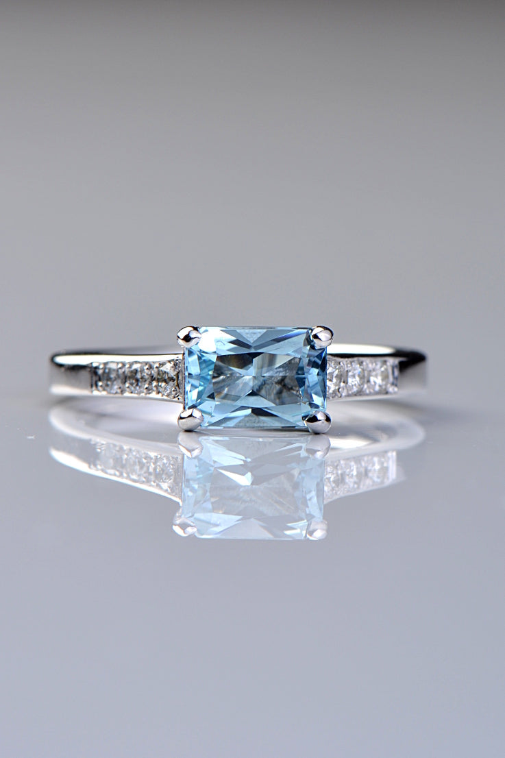 Aquamarine and diamond  9ct white gold ring - Unforgettable Jewellery