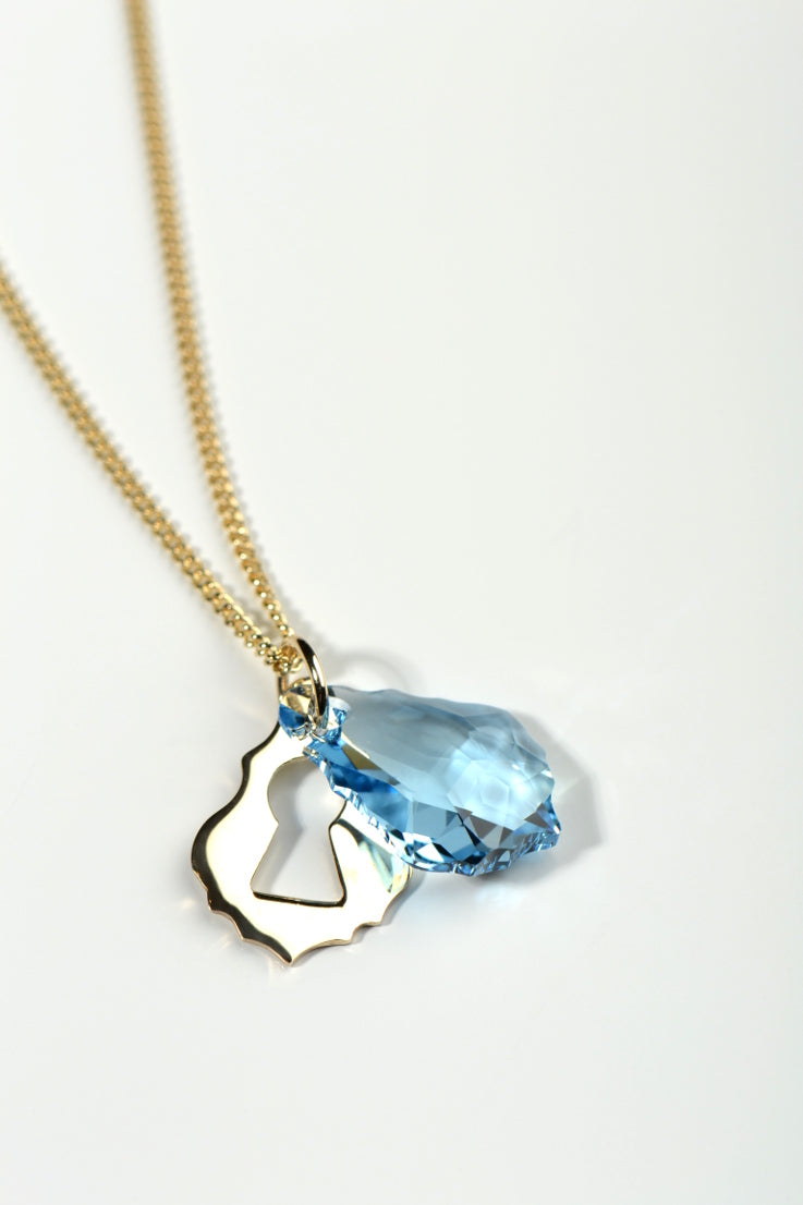 Watch me gold pendant blue