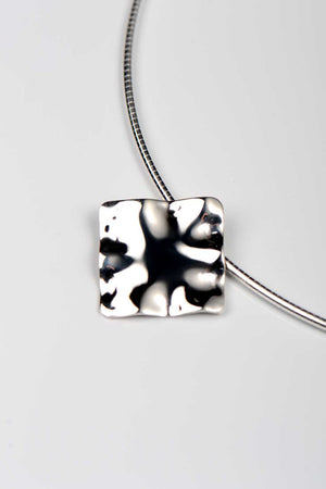 Bella Figura Mafaldine square pendant - Unforgettable Jewellery