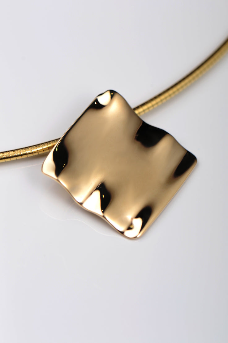 Bella Figura Mafaldine gold square pendant - Unforgettable Jewellery