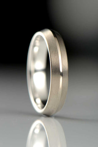 9ct white gold U shaped band