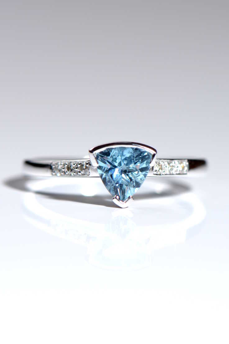 Aquamarine and diamond slingshot trillion cut ring - Unforgettable Jewellery