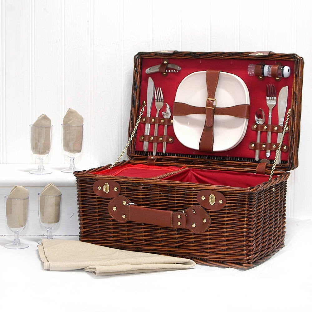 Thanksgiving gifts 4 person picnic basket