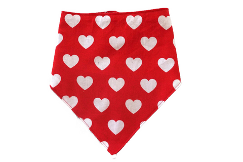 "Personalized Red Heart Print Dog Bandana ""Little Big Love"""