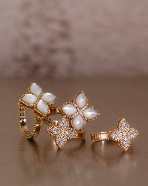 RING PRINCESS FLOWER IN GOLD WITH MOTHER-OF-PEARL AND DIAMONDS