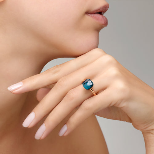 RING NUDO CLASSIC IN GOLD WITH LONDON BLUE TOPAZ