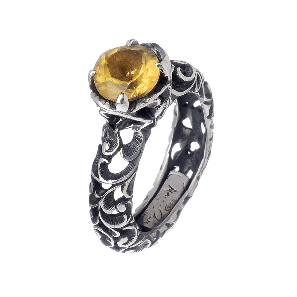 RING SOLITAIRE IN STERLING SILVER WITH CITRINE