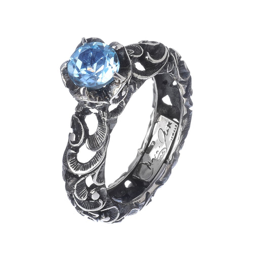 RING SOLITAIRE IN STERLING SILVER WITH BLUE TOPAZ