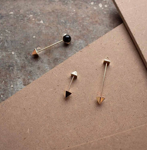 SINGLE EARRING SQUARE IN GOLD