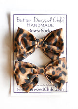 Cheetah Print bow socks dark
