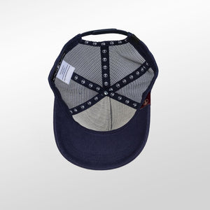 Gorra trucker azul peacoat My Black Anchor Black Anchor detalle