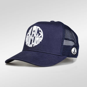 Gorra trucker azul peacoat My Black Anchor Black Anchor perfil izquierdo
